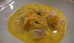 Mättande, krämig och god soppa, gjord på lax. Lägg gärna till skalade räkor för extra smak!