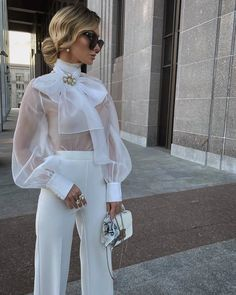 101 Things That Happen To You When You Become A Well Dressed Woman - Hello Bombshell! Mode Chic, Mode Style, Mode Outfits, Fashion Outfits, Womens Fashion, Petite Fashion, Fashion Tips, Classy Outfits, Stylish Outfits