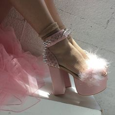high heels – High Heels Daily Heels, stilettos and women's Shoes Dr Shoes, Me Too Shoes, Shoes Heels, Aesthetic Shoes, Pink Aesthetic, Aesthetic Vintage, Look Fashion, Fashion Shoes, Fashion Outfits