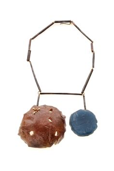 Coco Dunmire - Untitled (2009). Necklace. Resin, pigment, 18k gold, shibuichi.