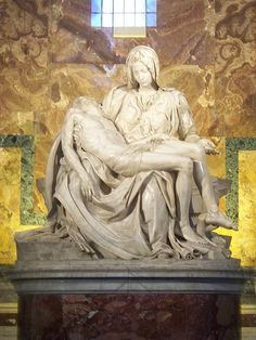Pietà di Michelangelo This was the most amazingly breathtaking work when I saw it in person. Definitely time for a trip back.