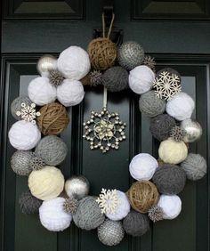 Styrofoam balls and yarn wreath Cute idea for a Christmas/winter wreath! Noel Christmas, Winter Christmas, Christmas Countdown, Christmas Christmas, Christmas Ornaments, Christmas Colors, Christmas Knitting, Ball Ornaments, Diy Christmas Wedding