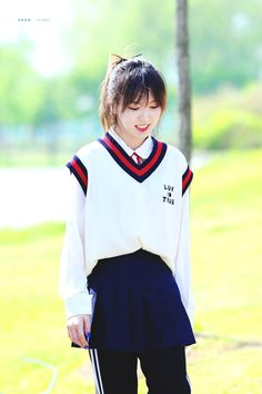 fyeah! red velvet : Photo Kpop Girl Groups, Korean Girl Groups, Kpop Girls, Seulgi, Wendy Red Velvet, Velvet Fashion, Girl Cakes, Beautiful Gorgeous, Girls Generation