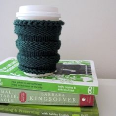 The Greensleeves coffee cozy is a free knitting pattern perfect for crafters learning to use double pointed needles!