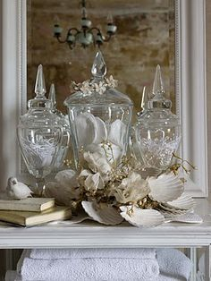 vignette apothecary jars and shells Bottles And Jars, Glass Jars, Glass Containers, Glass Canisters, Clear Glass, Do It Yourself Decoration, Apothecary Jars, Beach Cottages, Beach Themes