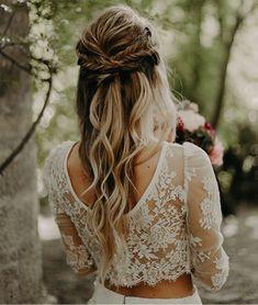 New wedding hairstyles modern fishtail braids Ideas Diy Wedding Day, Boho Wedding Hair, Wedding Hair And Makeup, Wedding Looks, Wedding Hair Accessories, Hair Makeup, Wedding Bride, Lace Wedding, Wedding Dresses