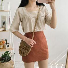 Lovely linen square blouse discovered by amber p Korean Girl Fashion, Korean Fashion Trends, Korean Street Fashion, Korea Fashion, Asian Fashion, Look Fashion, Fashion Outfits, Ulzzang Fashion Summer, Korean Fashion Pastel