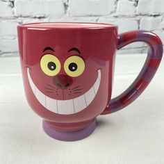 Disney Parks Cheshire Cat Alice in Wonderland Large Coffee Tea Mug Cup 20 Oz | eBay Disney Coffee Mugs, Coffee Mugs Vintage, Disney Mugs, Disney Gift, Cute Coffee Mugs, I Love Coffee, Tea Mugs, Cheshire Cat Alice In Wonderland, Coffee Mug Display