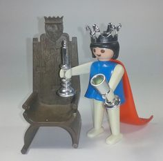 PLAYMOBIL MEDIEVAL. KICKLY 3335 REINA MEDIEVAL VINTAGE 74 Childhood Toys, Childhood Memories, My Youth, Present Day, Vintage Dolls, Doll Toys, Animals And Pets, Nostalgia, Presents