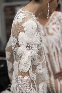 New Embroidery Fashion Haute Couture Ideas Couture Embroidery, Embroidery Fashion, Embroidery Ideas, Embroidery Design, Couture Details, Fashion Details, Couture Ideas, Fashion Art, Fashion Design