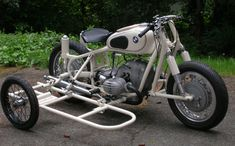 Vintage BMW motorcycle & sidcar with complete driveline installed, chassis built, waiting for fenders and miscellaneous bits. Bmw Motorcycles, Vintage Motorcycles, Bmw C1, Cb 750 Cafe Racer, Bike With Sidecar, Bike Cart, Motorised Bike, Bmw Boxer, Bike Trailer