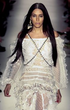 Model Lea T presents a creation Teca by Helo Rocha during the 2016 Summer collections of the Sao Paulo Fashion Week in Sao Paulo Brazil on April Givenchy, Transgender Model, Most Beautiful Models, Contemporary Fashion, Mannequins, Summer Collection, Supermodels, Fashion Models, Fashion Photography