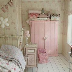 Shabby Chic Project Idea Project Difficulty: Simple MaritimeVointage.com #shabbychic #shabby #chic