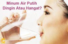 Tiga Siku - Mana yang lebih bermanfaat, minum air putih dingin atau yang hangat? Air merupakan kebutuhan dasar yang sangat penting bagi kelangsungan hidup manusia. Dari segi kesehatan, air memiliki banyak peran dan manfaat bagi tubuh, terutama dalam membantu ker