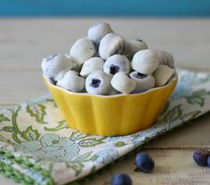 Frozen Yogurt Covered Blueberries #SundaySupper - A light healthy, frozen snack made with vanilla greek yogurt and fresh blueberries.