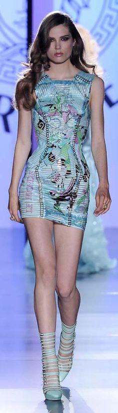 ✜ Versace | Paris Fashion Week | Winter 2013 ✜  http://vogue.globo.com/desfiles/cidade/paris/versace-paris-inverno-2013/