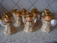 Klikni k zavření obrázku, klikni a táhni k přesunutí obrázku. Použij šipky k posunu na následující či předchozí obrázek. Christmas Angels, Christmas Crafts, Christmas Tree, Christmas Ornaments, Corn Dolly, Diy And Crafts, Paper Crafts, Willow Weaving, Paper Weaving