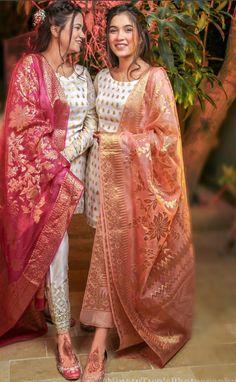 Fancy Dress Design, Bridal Dress Design, Stylish Dress Designs, Designs For Dresses, Stylish Dresses For Girls, Wedding Dresses For Girls, Party Wear Dresses, Simple Dresses, Dress Indian Style