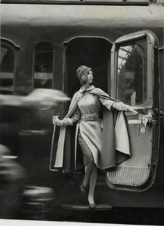 Model wearing coat with fur, Paris©Louis Faurer, Paris, 1960.