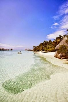 * Adaaran 'Club' Rannalhi - Rannalhi. Surrounded by clear waters and white sands