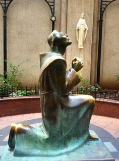 St Francis statue at St Francis in New York - pic taken by Norm of Awestruck on their US visit - 7 Nov 2014  Site-Wide Activity | Awestruck.tv