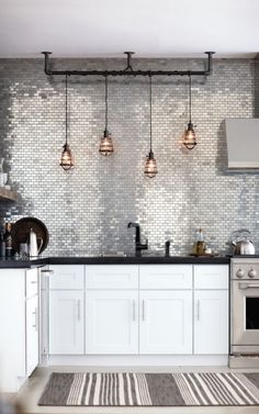 texture - kitchen metallic