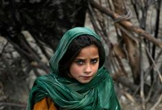 afghan girl beautiful eye color
