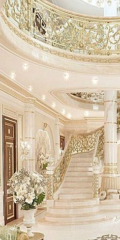 Diy home decor stand out tips and examples for that amazing elegant home decor luxury beautiful home decor idea number Palace Interior, Mansion Interior, Luxury Homes Interior, Home Interior Design, Luxury Staircase, Staircase Design, Elegant Home Decor, Elegant Homes, Luxury Homes Dream Houses