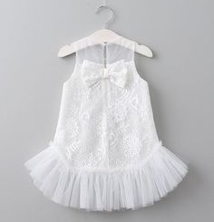 Ruffles and Bowties is your one-stop-shop for Baby & Kids boutique, a wide selection of first birthday outfits for girls and boys, Christmas dresses and so much more, at affordable prices – USA, CANADA. Girls Frock Design, Baby Dress Design, Baby Girl Dress Patterns, Frocks For Girls, Kids Frocks, Little Girl Dresses, Flower Girl Dresses, Baby Girl Fashion, Kids Fashion