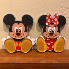 Power couple! 🐭💖🐭 . . . #mickey #mickeymouse #minnie #minniemouse #mouse #disney #disneyland #disneylandresort #disneyland2017 #disneyparks #wdw #waltdisneyworld #disneyworld #disney #waltdisney #disneycharacter #disneycharacters #couple #couplegoals #disneycouple #magnets #kawaii #kawaiidisney #disneymerch #shopdisney #disneystore #cartoon #bright #colorfull #disneygirl