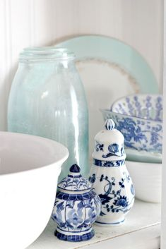 It's been a long week for me as hubby has been out of town for 5 days now. Blue Mason Jars, White Interior Design, Coastal Living Rooms, Tropical Decor, Kids Room, Blue And White, Moody Blues, Indigo, Nautical