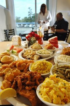 What is Soul Food? African American Food For Everyone - Celebrity Fashion Lifestyles Entertainment Great Recipes, Dinner Recipes, Favorite Recipes, Dinner Ideas, Simple Recipes, Amazing Recipes, Food Porn, Southern Recipes, Southern Food