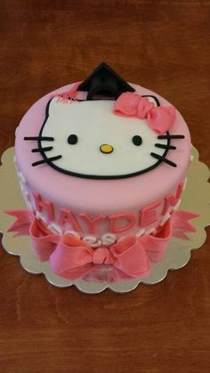 Hello kitty cake..so cute...#hellokitty #cake #bows