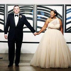 Ou peut-être que vous voudrez porter la robe la plus glamour qui soit. | 47 mariées qui donnent un nouveau sens au mot «perfection»