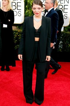 #Lorde in a #Narciso Rodriguez custom suit and Neil Lane jewelry at the 72nd Annual Golden Globes