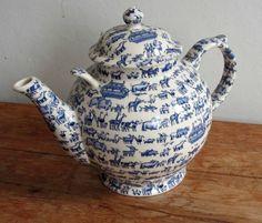 emma bridgewater teapots | Emma Bridgewater Noah's Ark & Doll's House Gallon Teapot