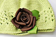 Roses on clips tutorial.  This blog is full of fantastic craft and sewing ideas!