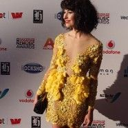 Kimbra queen of kiwi music & Six60 take away 6 Tuis!! VNZMA 2012