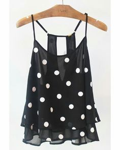 Polka dot party! A nossa delicada blusa preta abusa dos detalhes, com polka dots bordados, babados e discreta transparência!⚫️⚪️     #poire #temnapoire #polkadot #cute #ootd #retro