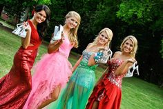 Lose the shoes! Cute prom picture idea!