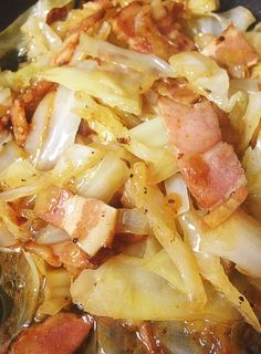 This guy is adorable and the site has so many great looking low carb recipes. Including this one for Bacon and Butter Braised Cabbage, Low Carb, High Fat Banting Recipes, Paleo Recipes, Low Carb Recipes, Cooking Recipes, Jai Faim, Bacon And Butter, Braised Cabbage, Low Carb Diet, Gm Diet