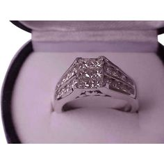 Pre-owned 2 Ctw Natural Princess Brilliant Cut Diamonds 14k White Gold... ($5,000) ❤ liked on Polyvore featuring jewelry, rings, accessories, none, vintage rings, diamond jewelry, preowned rings, white gold rings and pre owned rings