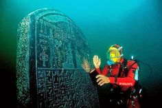 Heracleion/Thonis, Egito  Essa antiga cidade também egípcia foi fundada 800 anos aC e descoberta em 2000 pelos pesquisadores. Antes da construção de Alexandria, aqui ficava o principal porto do Egito. Foi submersa no século 8 dC.