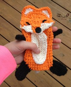 Cute little fox phone case! I love foxes, too. May do this one as well, if I can manage.