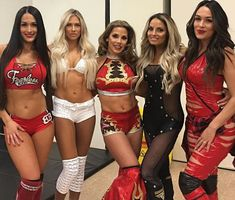 WWE Superstars Nikki Bella (Nicole Garcia Colace) with her twin sister Brie Bella (Brianna Garcia Danielson), Mickie James, Kelly Kelly (Barbie Blank), and WWE Hall of Fame Diva Trish Stratus (Patricia Stratigeas Fisico) at the 2018 WWE Royal Rumble. Wrestling Stars, Wrestling Divas, Women's Wrestling, Nikki Bella Photos, Nikki And Brie Bella, Wwe Total Divas, Nxt Divas, Wwe Trish, Becky Wwe