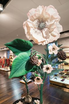 Mulberry | Spring/Summer, 2013 by Millington Associates | #retail #vm #flowers #springsummer