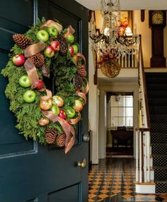 Cyber Monday Christmas shopping sales guide holiday inspiration decoration interior design traditional homes wreaths garland tree Christmas Past, Vintage Christmas, Christmas Holidays, Christmas Wreaths, Christmas Displays, Magical Christmas, Rustic Christmas, Happy Holidays, Holiday Images
