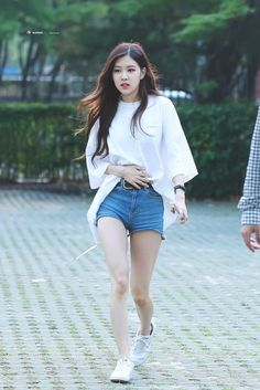 This body nigga Blackpink Fashion, Korean Fashion, Outfits Kawaii, K Pop, Korean Girl, Asian Girl, Kim Jisoo, Park Chaeyoung, Airport Style