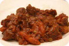 Indisch Stoofvlees met Doperwten, Champignons en Worteltjes http://www.bekashop.com/beka-cookware-cook-on-casseroles