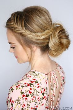 Tossing my hair into a low bun or ponytail every day is always so tempting. If you're the same way then this tutorial is for you! Adding in a braid whether it's a dutch braid, french braid or fishtail braid will instantly dress up an otherwise boring style. This fishtail french braid is both simple and quick once you get the hang of it and I think it will soon become one of your new favorite looks. Let's get to it! Fishtail Braid Low Bun Instructions: Step 1 / Begin by parting the hair on…